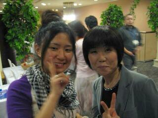 リフォーム母さんとユン・・・後ろにはかすかにサーブの高田さんが!